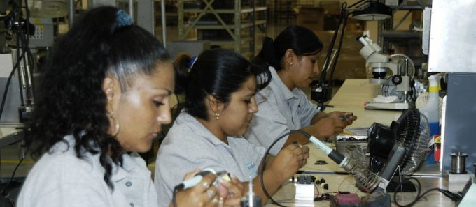 Number of manufacturing workers in Mexico increases