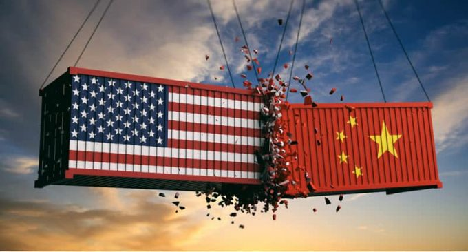 Who loses in the trade war between China and the United States?